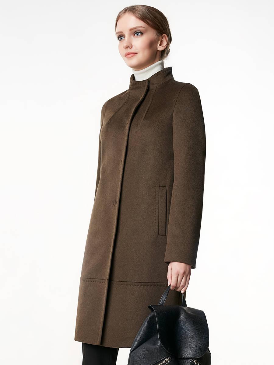 Пальто женское демисезонное Pompa, арт. 1016790p10041Трендовое пальто прямого силуэта, выполненное из ворсовой ткани цвета хаки. Модель декорирована тамбурной строчкой. Модель имеет втачной рукав, воротник-стойку,  карманы врезные листочки и застежку на пришивные кнопки. Выполнена с мембраной Raft Pro. Актуальная модель для женщин, желающих всегда оставаться на пике тенденций.<br><br>Артикул: 1016790p10041<br>Цвет: зеленый<br>Материал: : Основная ткань: шерсть 80 %, полиэстер 20 %;<br>Размер RU: 44<br>Пол: Женский<br>Возраст: Взрослый