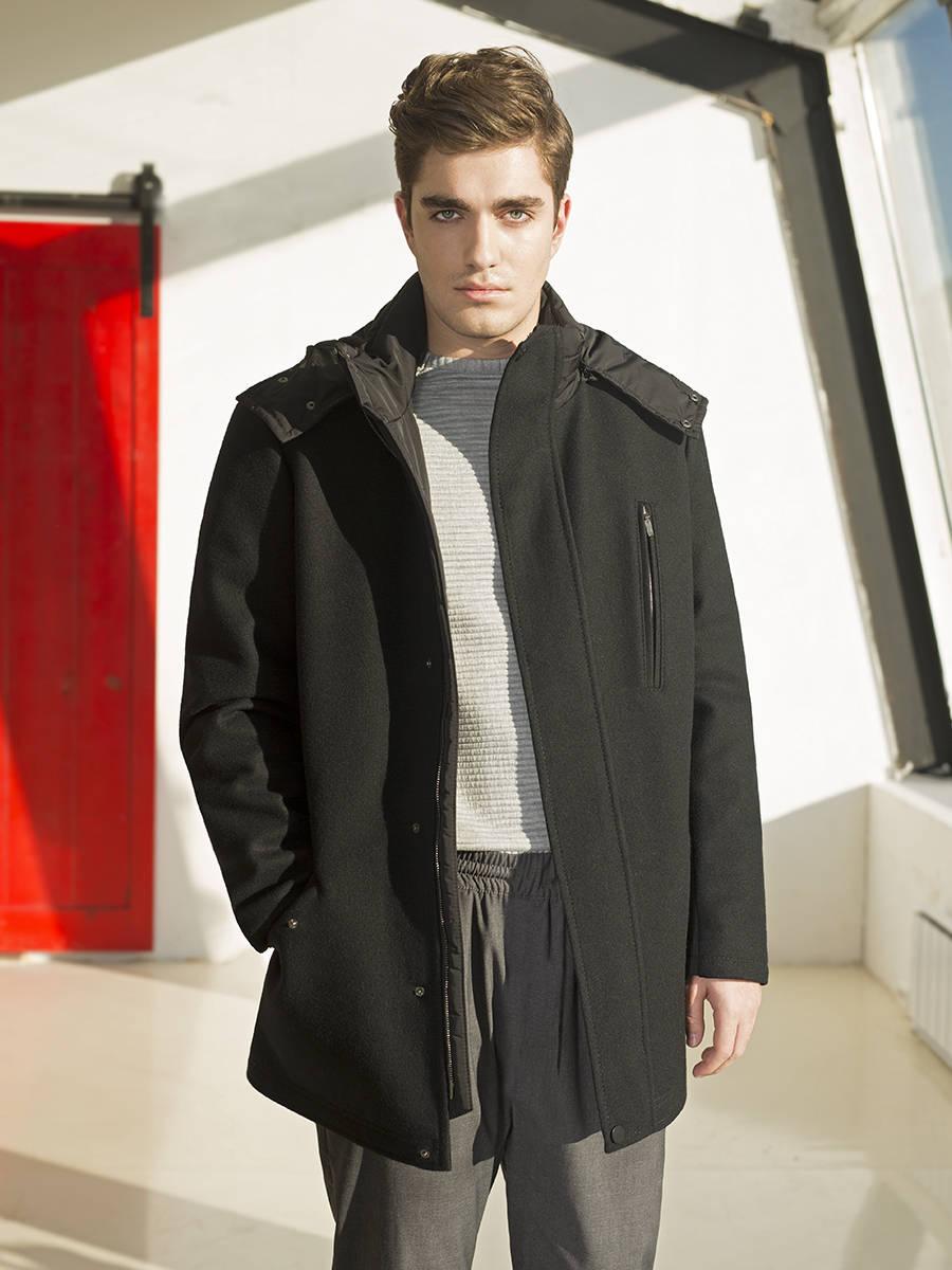 Пальто мужское утепленное<br><br>Артикул: 1730010S90099<br>Цвет: черный<br>Материал: : Основная ткань: шерсть 80 %, полиамид 20 %;<br>Размер RU: 50<br>Пол: Мужской<br>Возраст: Взрослый